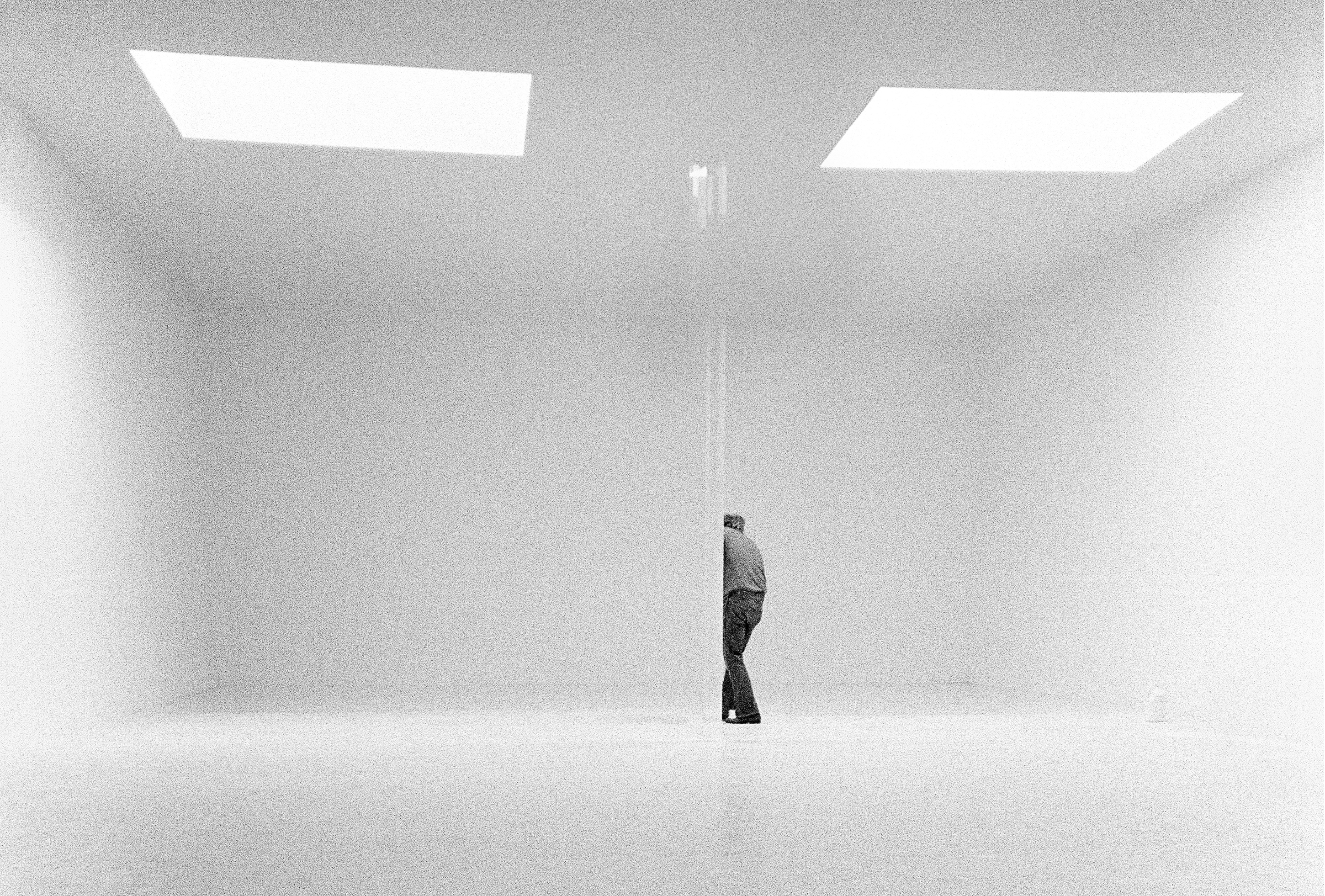 Robert Irwin in his studio, 1970.