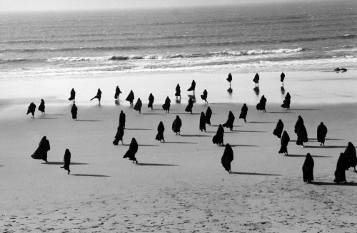 Still from Shirin Neshat, Rapture, 1999