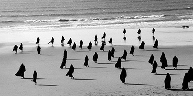 Still from Shirin Neshat's Rapture, 1999