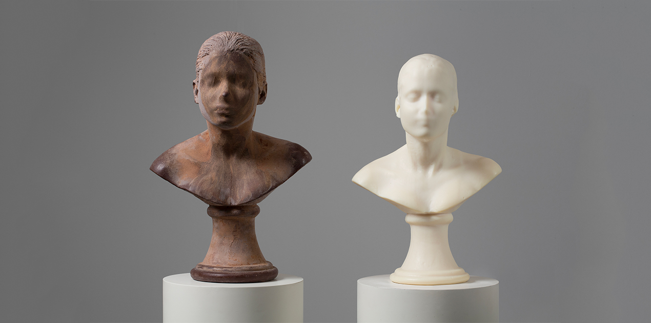 Janine Antoni, Lick and Lather, 1993-1994
