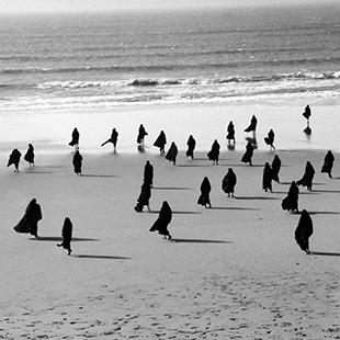 Shirin Neshat, Rapture, 1999