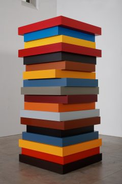 Sean Scully, Stack Colors, 2017. Aluminum and automotive paint. 108 × 48 × 48 in. (274.3 × 121.9 × 121.9 cm). Private collection. © Sean Scully, Photographed by Robert Bean