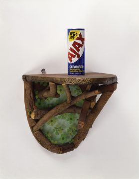 Haim Steinbach, Shelf with Ajax, 1981.Wood and plastic shelf; Ajax cleanser can; 22 x 14 x 14 in (55.9 x 35.6 x 35.6 cm). Courtesy of the artist and Tanya Bonakdar Gallery, New York