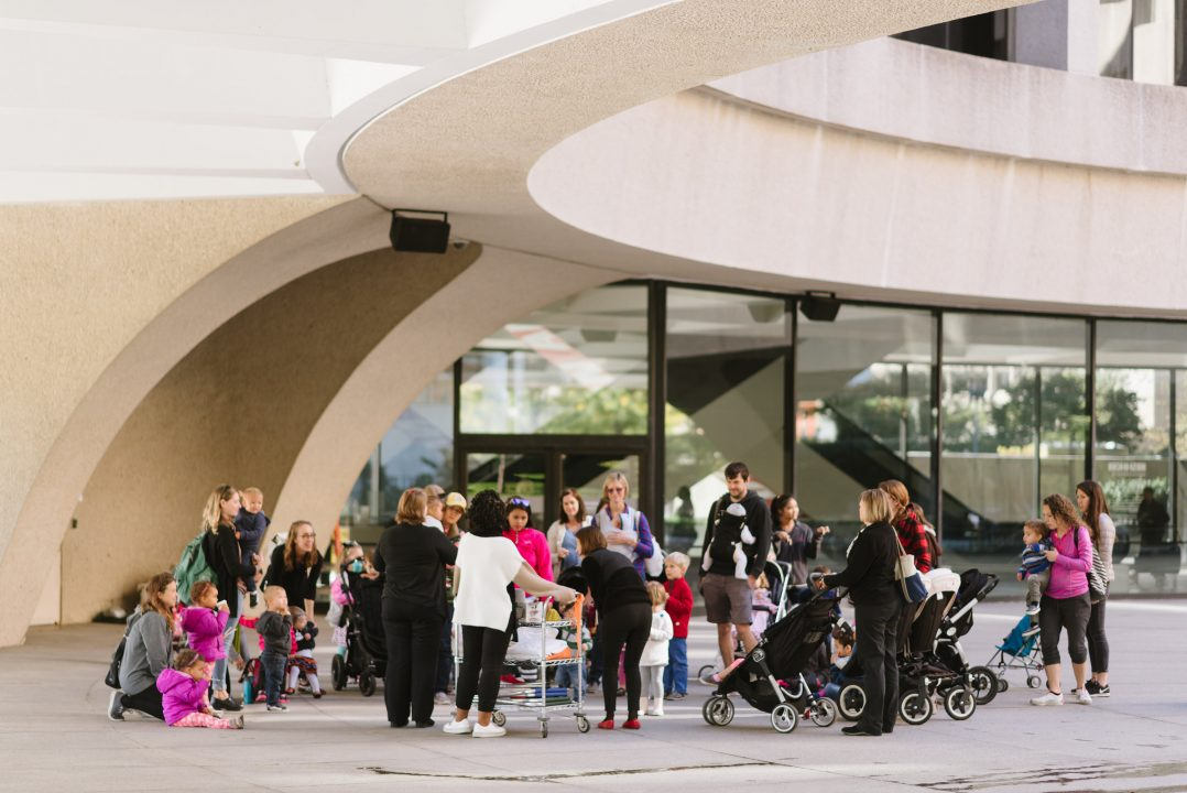 Families visiting the Hirshhorn for STORYTIME