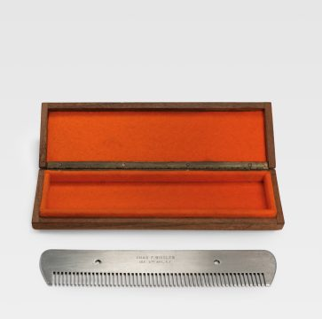 Marcel Duchamp Comb (Peigne), 1916/1964 Metal comb, paint Edition: 2/8 Promised Gift of Barbara and Aaron Levine Hirshhorn Museum and Sculpture Garden, Washington, D.C.; photo: Cathy Carver © Association Marcel Duchamp / ADAGP, Paris / Artists Rights Society (ARS), New York 2019