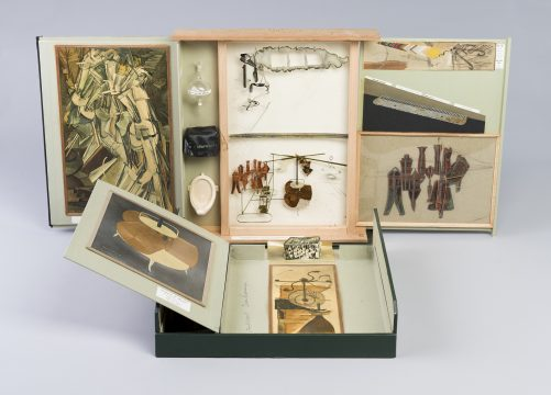 "Marcel Duchamp The Box in a Valise/Boite en Valise (Series E) From or by Marcel Duchamp or Rrose Sélavy [de ou par Marcel Duchamp ou Rrose Sélavy] 1963 Green leather valise containing miniature replicas, photographs, and colour reproductions of works by Duchamp valise 15 7/8 x 14 7/8 x 3 5/8 in. (40.3 x 37.8 x 9.2 cm) Cincinnati Art Museum, Ohio, USA / Gift of Anne W. Harrison and Family in memory of Agnes Sattler Harrison and Alexina ""Teeny"" Sattler Duchamp / Bridgeman Images 15 3/4 × 14 3/4 × 3 1/2 in. (40 × 37.5 × 8.9 cm) © Association Marcel Duchamp / ADAGP, Paris / Artists Rights Society (ARS), New York 2018"