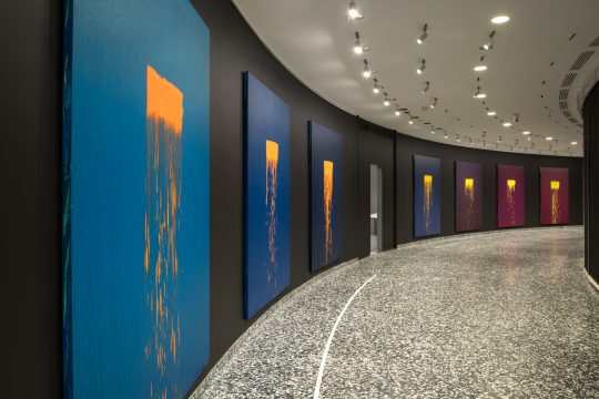 Pat Steir Color Wheel at the Hirshhorn Museum and Sculpture Garden, 2018–19 Oil on canvas 30 paintings, each 108 × 84 inches Photo: Lee Stalsworth. Courtesy of Pat Steir and Lévy Gorvy